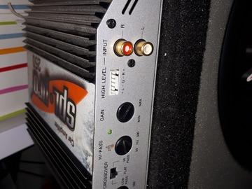 Myydään: Sony cd-soitin Cdx-r3300 ja vahvistin SPL-PRO 250