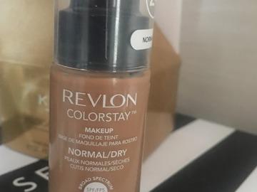 Venta: revlon colorstay, color 330