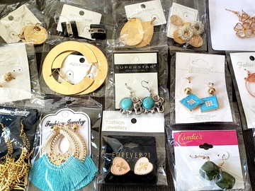 Buy Now: 125 Pairs - Stylish Earrings - Many Assorted Styles!