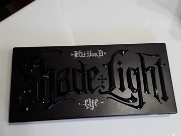 Venta: Kat von D shade and light brillo