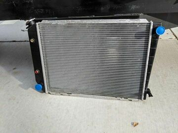 Selling with online payment: 79-93 mustang radiator like new