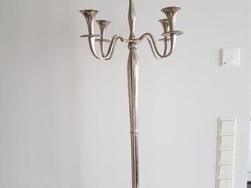 Ilmoitus: Korkea kynttelikkö