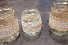 Ilmoitus: Myydään kynttilä/kukkapurkkeja