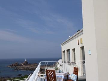Accommodation Per Night: Sea view apartment - High Season