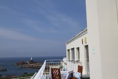 Accommodation Per Night: Sea view apartment - Peak Season