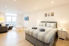 Accommodation Per Night: Apartment 7 - Ocean Walk - Studio - Low season