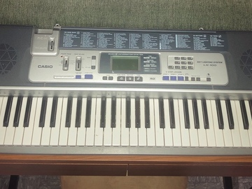 Renting out: Casio LK-100 61 Key