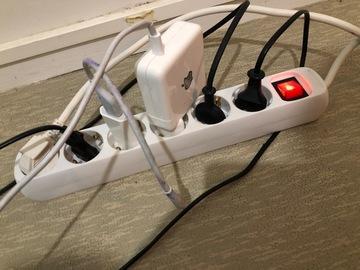 Myydään: Extension wire 6 sockets