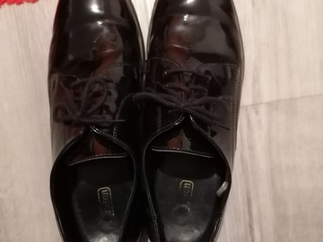 Selling: Black formal shoe