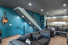 Renting out without online payment: Up(st)Art - East Hollywood / Hobart House