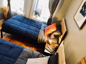 Renting out without online payment: Bright cozy shared room near Subway (M, J, Z, G trains)