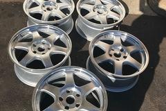 """Selling: ENKEI 18"""" 5x127 jeep wheels (5)"""