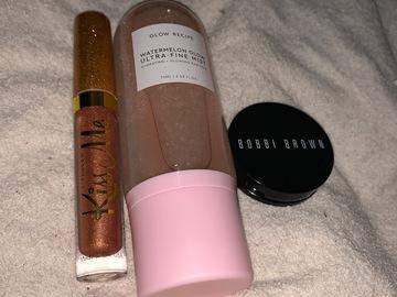 Venta: Pack spray glow recipe + mini bronceador + toper labios