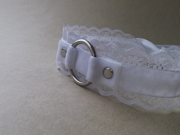 Selling with online payment: White velvet ribbon choker with o-ring and lace trim.