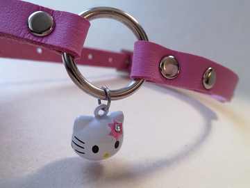 Selling with online payment: Pink faux leather kitty play o-ring collar, size S-M