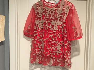 Selling: Red and beige detailed  top