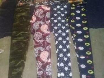 Make An Offer: (1,644) Women's Leggings Assorted Styles and Prints