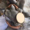 Vente au détail: Bracelet cabochon cuir