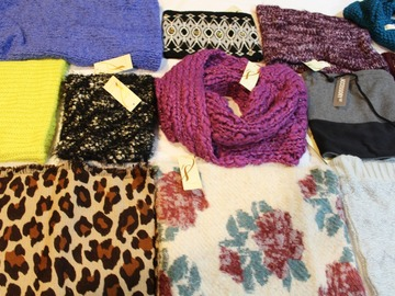 Liquidation/Wholesale Lot: New 35 Piece High End Cowls, Loop Scarves & Infinity Loops