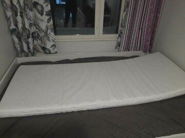 Selling: Matress 80 * 200 cm