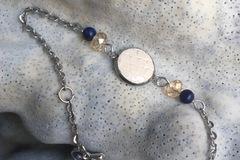 Vente au détail: Bracelet cabochon cuir beige et lapis-lazuli