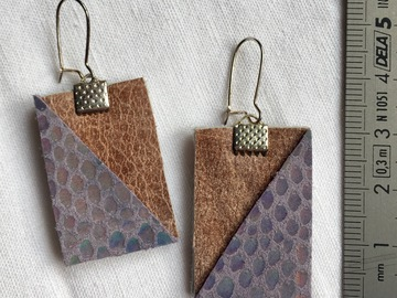 Vente au détail: Boucles d'oreilles rectangle cuir