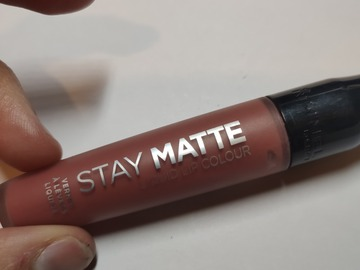 Venta: Rimmel London- Stay Matte- 200 Pink Blink
