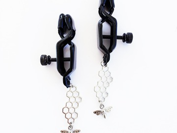 Selling with online payment: Alligator Nipple Clamps with Bee and Honeycomb