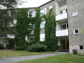 Annetaan vuokralle: Bright two bedroom apartment just a stone's throw from Aalto