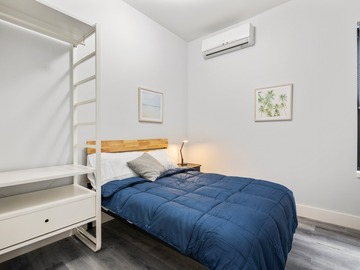 Renting out without online payment: Comfy place to stay in Brooklyn