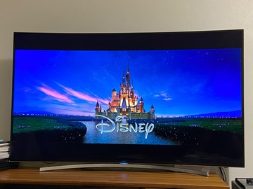 Myydään: Samsung 55' curved LED TV with good condition