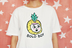 : PINEAPPLE BOY – Organic Cotton Unisex T-Shirt