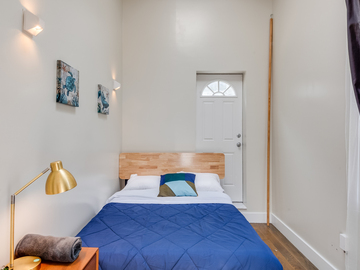 Renting out without online payment: Awesome private room with queen-size bed
