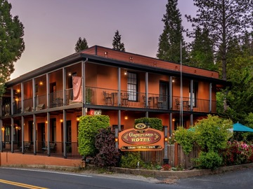 Custom Package: Historic Hotel Near Yosemite