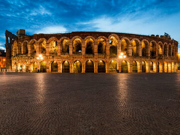 Offering with online payment: VERONA by night