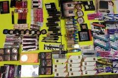 Buy Now: Lot of 150 Assorted Makeup. L'oreal, Maybelline, Revlon, Iman, CG