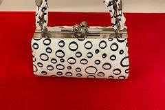 Buy Now: 150 pcs-- Mini purses-- Champagne Bubbles-- $ .75 pcs