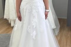 Ilmoitus: Käyttämätön Dazzling a-linjainen mekko, 36