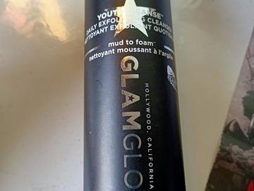 Venta: GLAMGLOW, mud to foam, exfoliante limpiador