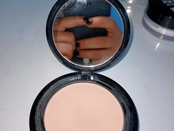 Venta: NYX stay matte but not flat powder foundation alabaster