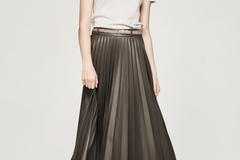 Selling: Bettina pleated leatherette skirt