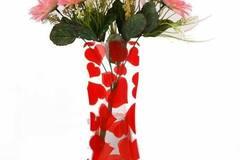 Buy Now: 100 vases - Plastic Foldable Flower Vase – Heart Theme