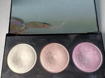 Venta: duo paletas iluminadores  make up revolution