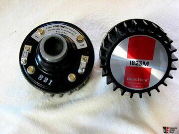 Vente: Paire de compression Electro Voice 1823M