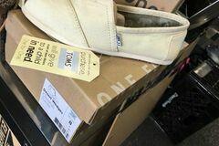 Buy Now: Toms women's shoes 30pcs.