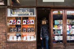 Show some ♥: Sun Bookshop - Book Delivery by bike