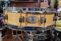 Selling with online payment: Pearl 4x14 wood piccolo snare drum - Like New! $199