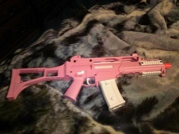 Selling: Pink Umarex G36c