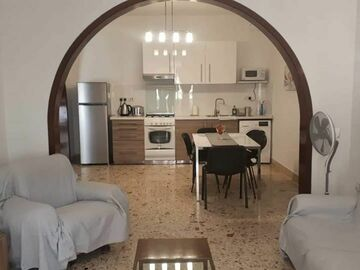 Rooms for rent: LARGE ROOM IN GZIRA TO LET