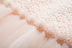Ilmoitus: Kaunis  morsiustyttöjen mekko koko 110 ja 140